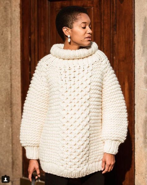 fall outfit ideas including knitted cable sweaters