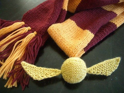 knitted golden snitch