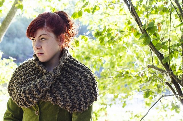 Claires-shrug-from-outlander