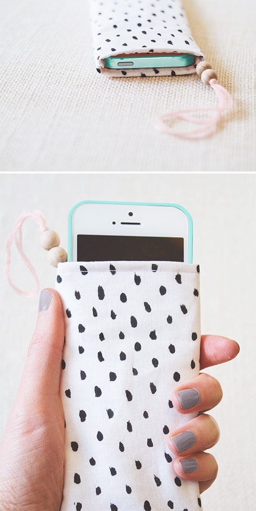 printed-phone-pouch
