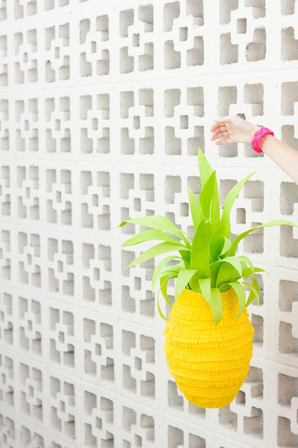 DIY-Pineapple-Pinata