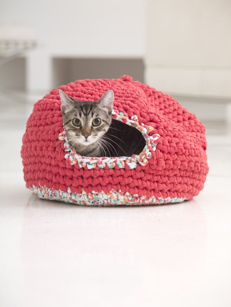 free-crochet-cat-bed-pattern