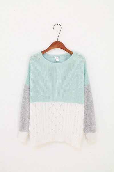 Colourblock knitted sweater with cable design