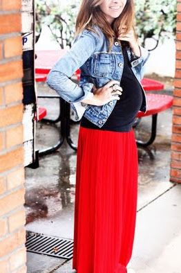 Red skirt and pregnancy outfit ideas