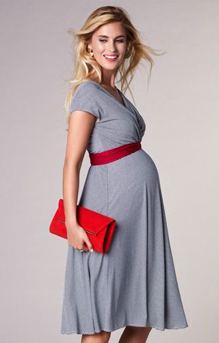 10 tips for creating a winter maternity capsule wardrobe free knitting patterns handy little me - Christmas Maternity Dress