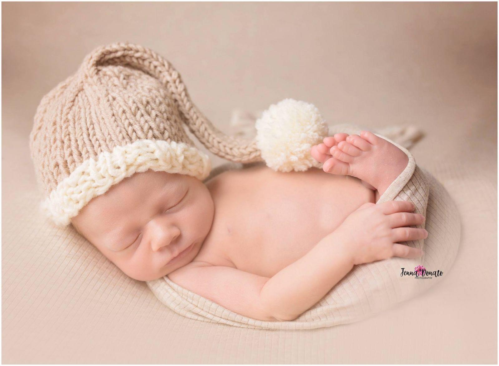 Newborn Hat Pattern For The Holidays Free Knitting Patterns