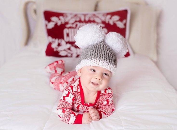 Newborn Holiday Hat - Free Knitting Pattern