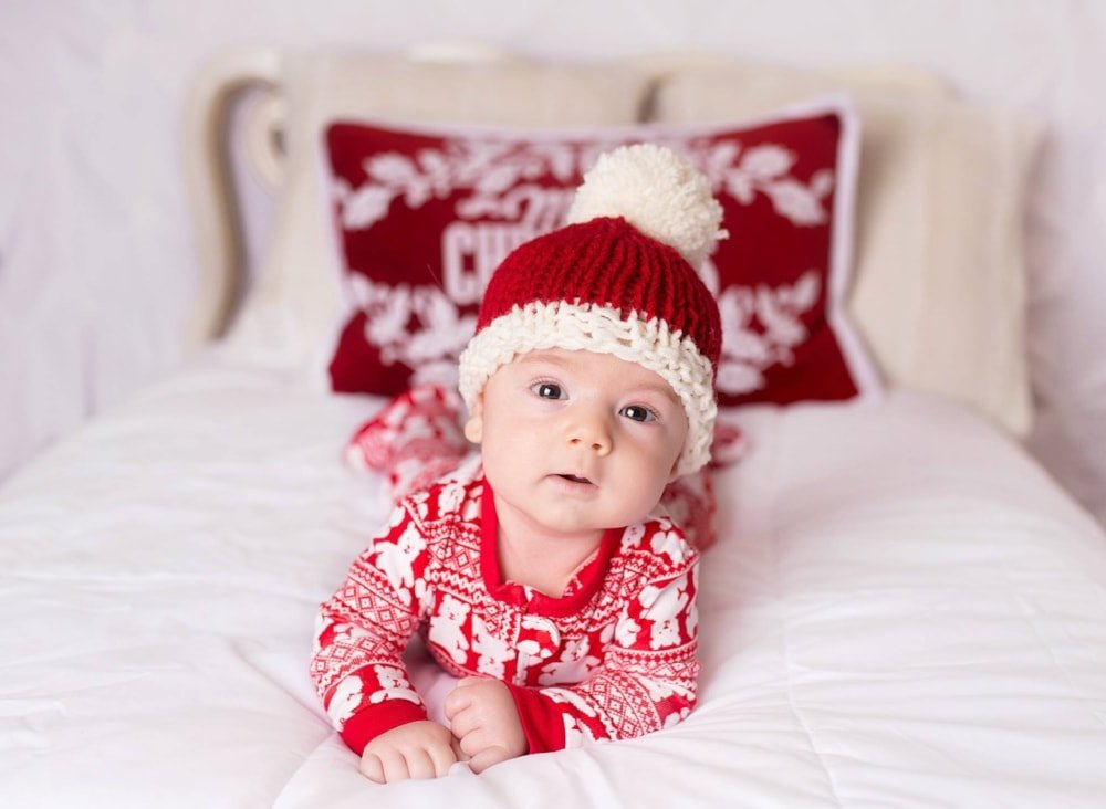 Easy+baby+Santa+hat+knitting+pattern