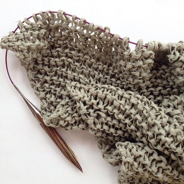How To Knit An Easy Triangle Scarf Free Knitting Patterns Handy