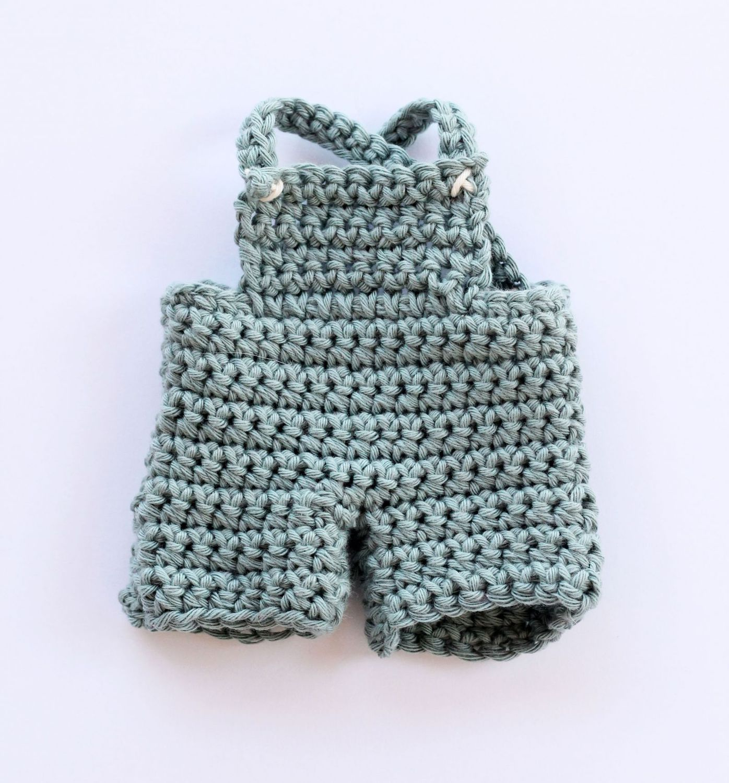 Crochet bunny toy pattern