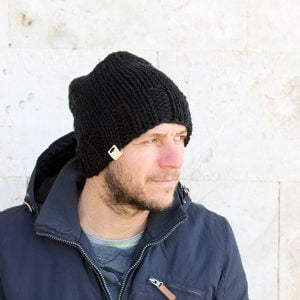 black beanie for men free knitting pattern