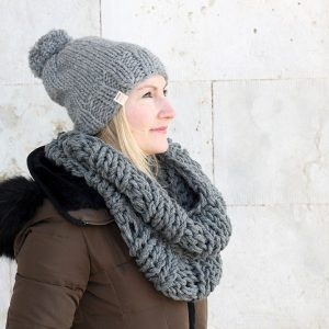 chunky knitted infinity scarf pattern