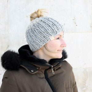 chunky messy bun hat knitting pattern