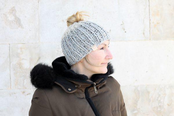 chunky messy bun hat knitting pattern
