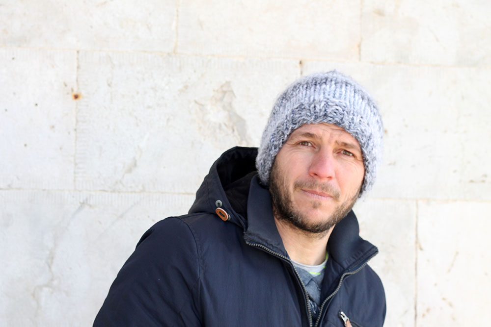 cosy beanie hat for men knitting pattern