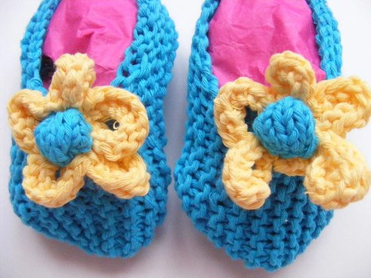 Flower Baby Slippers Knitting Pattern