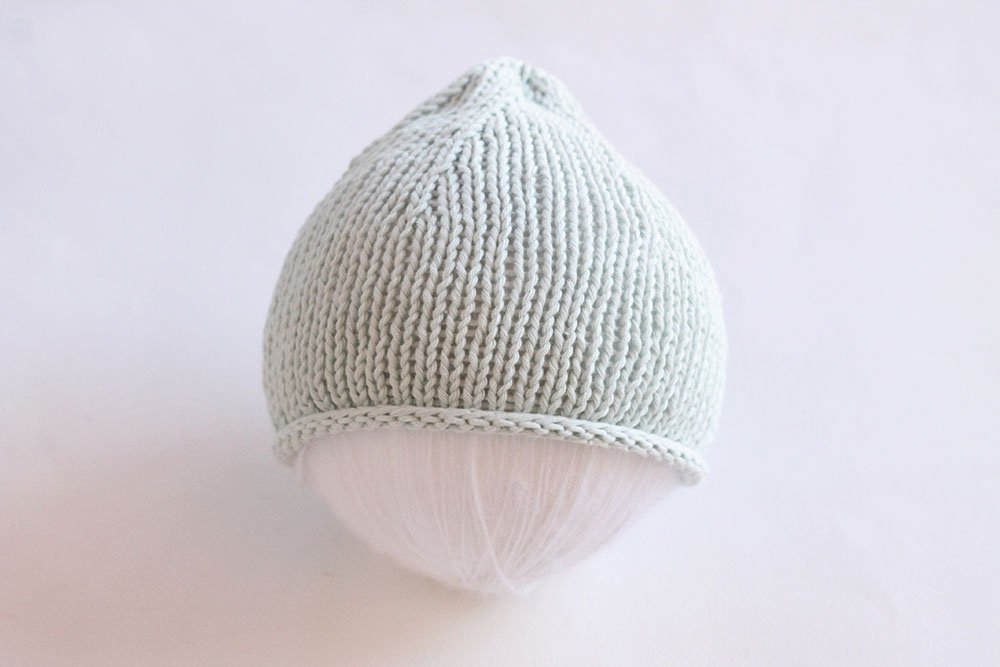 knit flat newborn hat