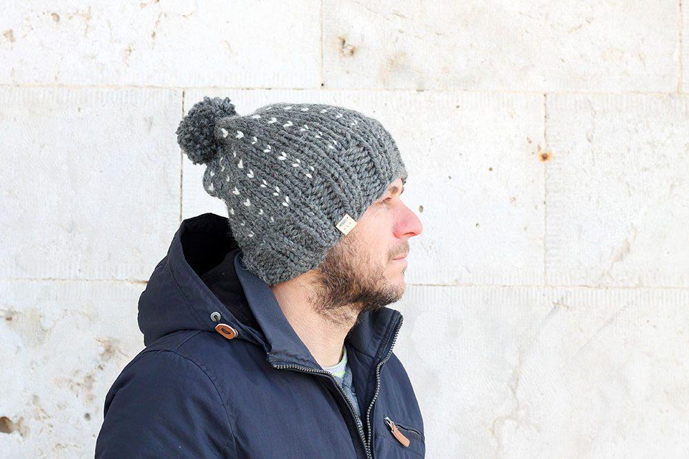 mens winter bobble hat free pattern