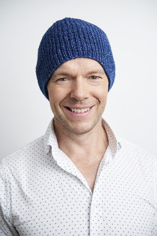 Blue knitted hat pattern