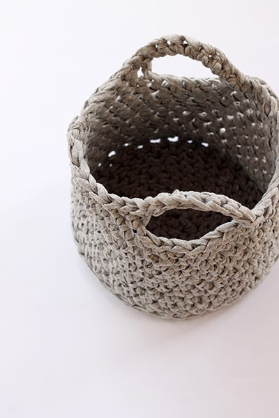washbag crochet basket