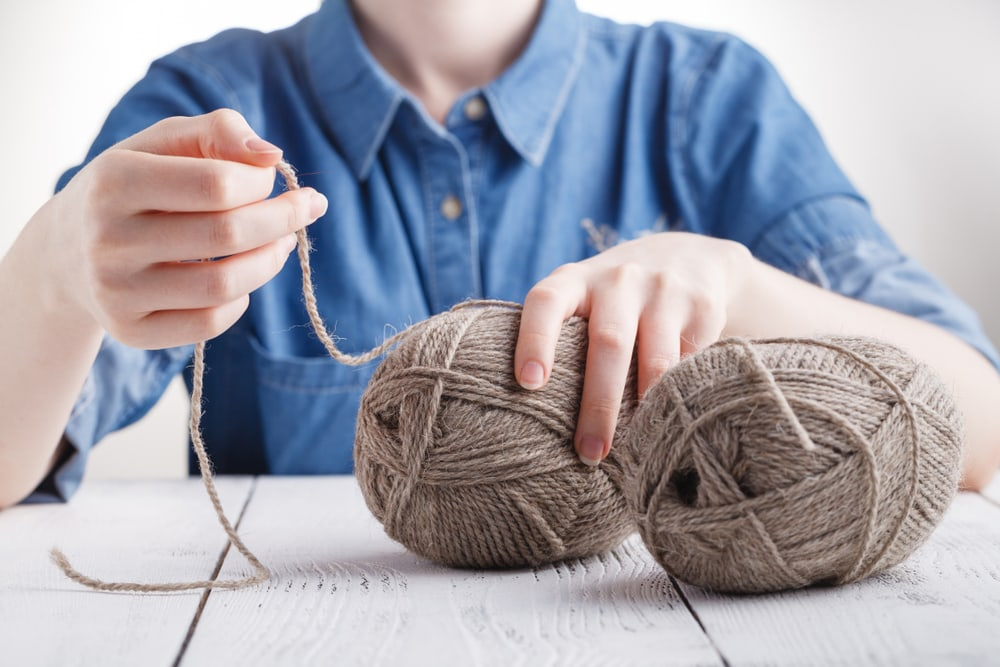 how to knit with two strands together