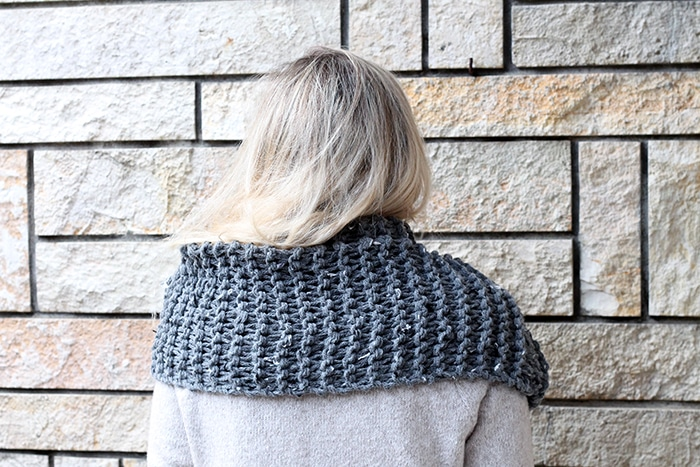 Easy infinity scarf knitting pattern