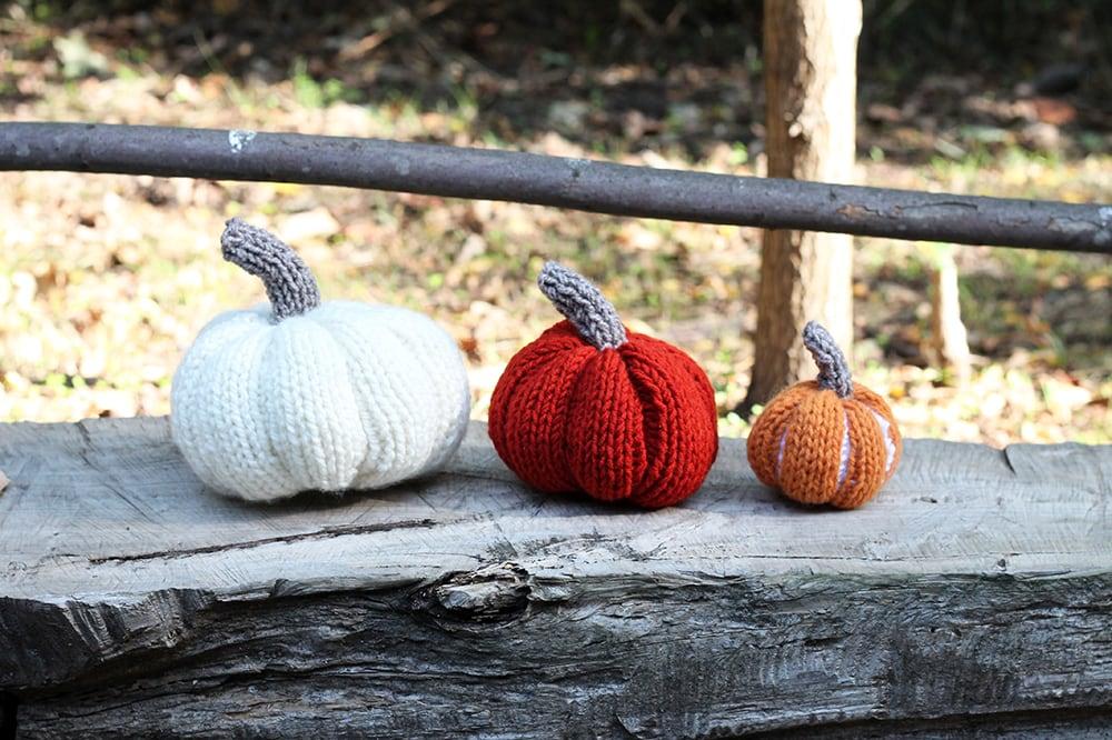 easy knit pumpkins