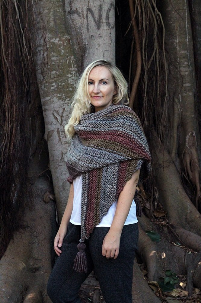How To Knit An Easy Triangle Wrap For Fall