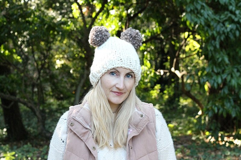 Double pom pom hat knitting pattern