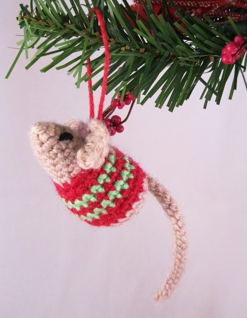 Christmas mouse crochet pattern