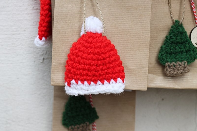 mini crochet santa hat pattern
