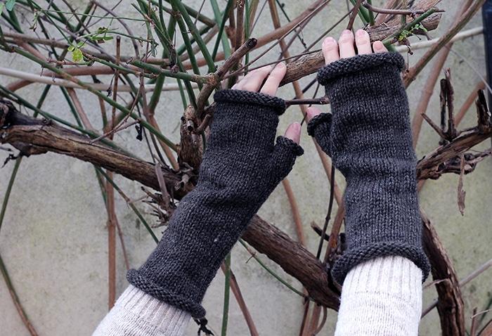 Brianna from Outlander mittens pattern