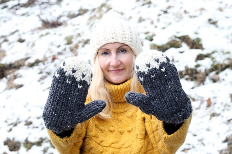 chunky knit mittens
