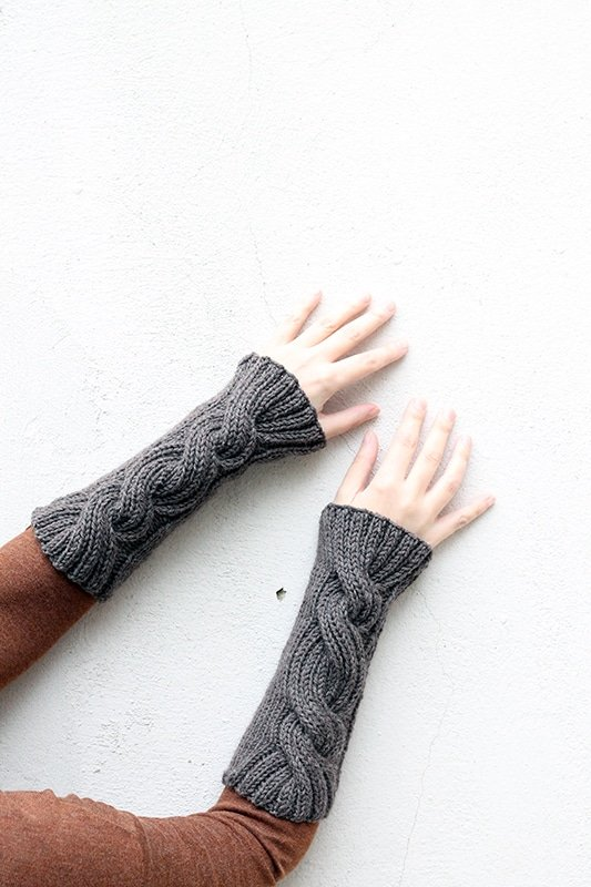 Claire S Cable Knit Wrist Warmers Free Knitting Patterns Handy