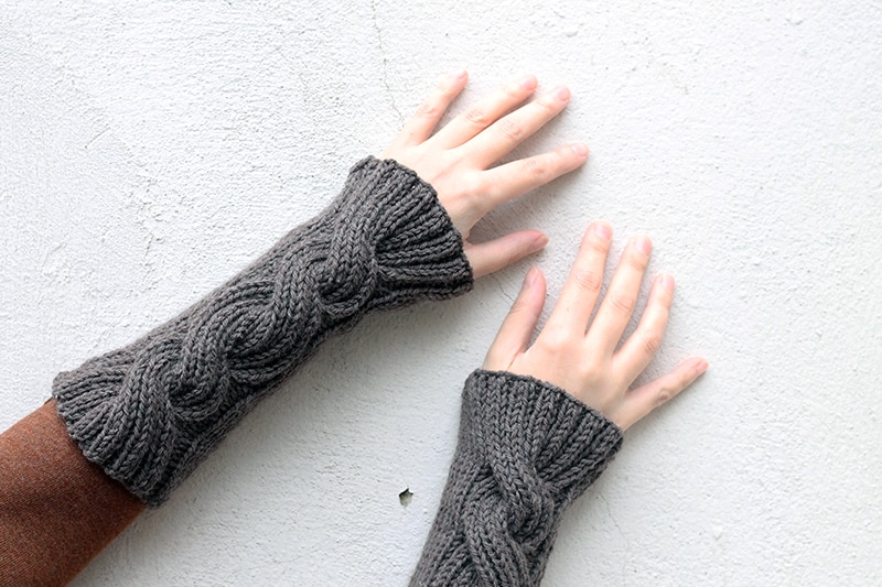 Claire fraser wrist warmers knitting pattern