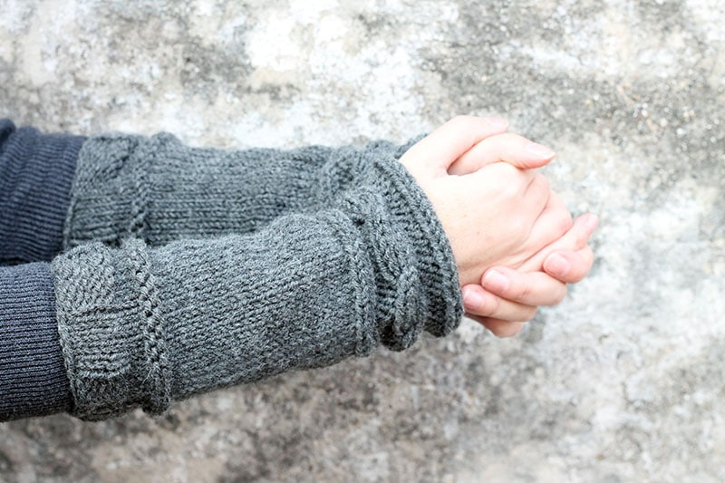 Outlander Claires arm warmers knitting pattern free