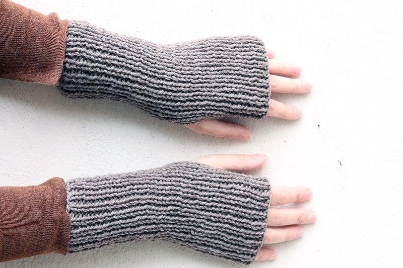 Outlander fingerless gloves pattern
