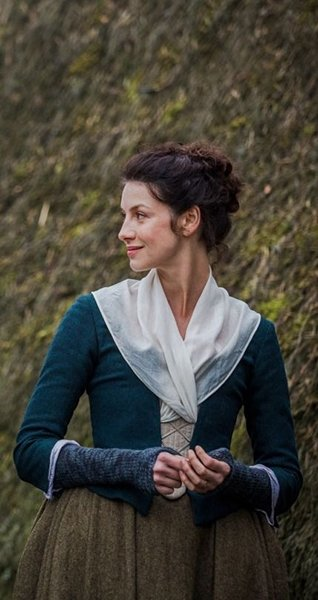 Claire from Outlander blue arm warmers