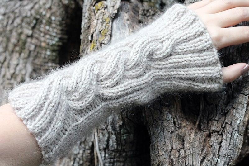 Mrs fitz arm warmers knitting pattern Outlander