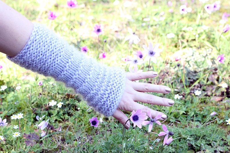 knitted arm warmers in garter stitch