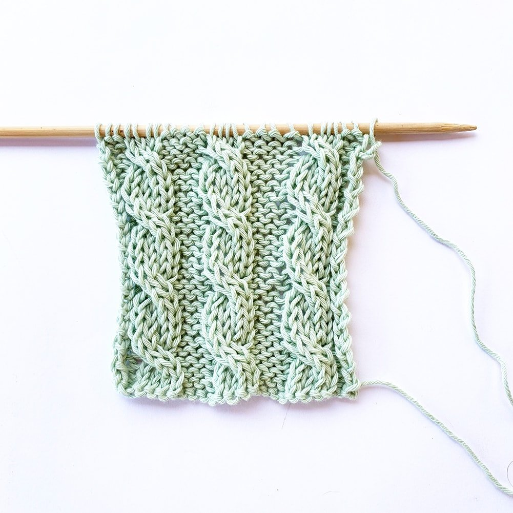 4 stitch cable to the left