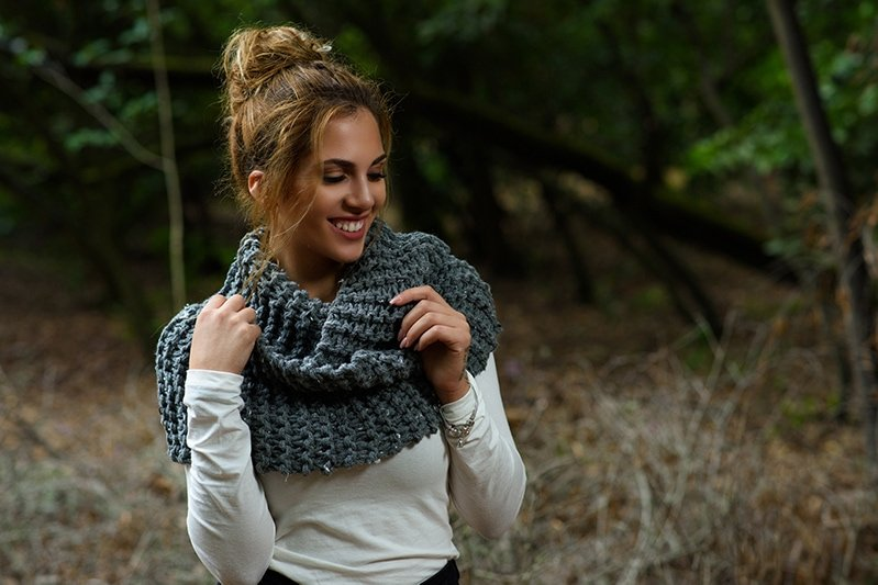 super bulky knitted infinity scarf