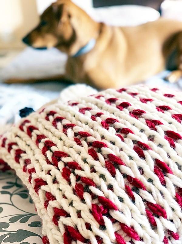 chunky knit pillow in jumbo yarn
