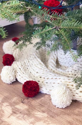 Christmas Tree Skirt Pattern {Chunky Knit}