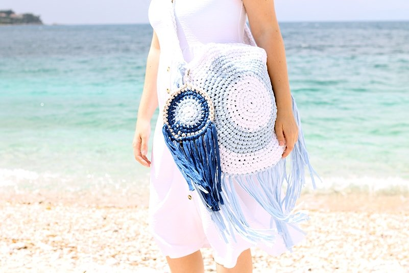 Crochet beach bag with fringe