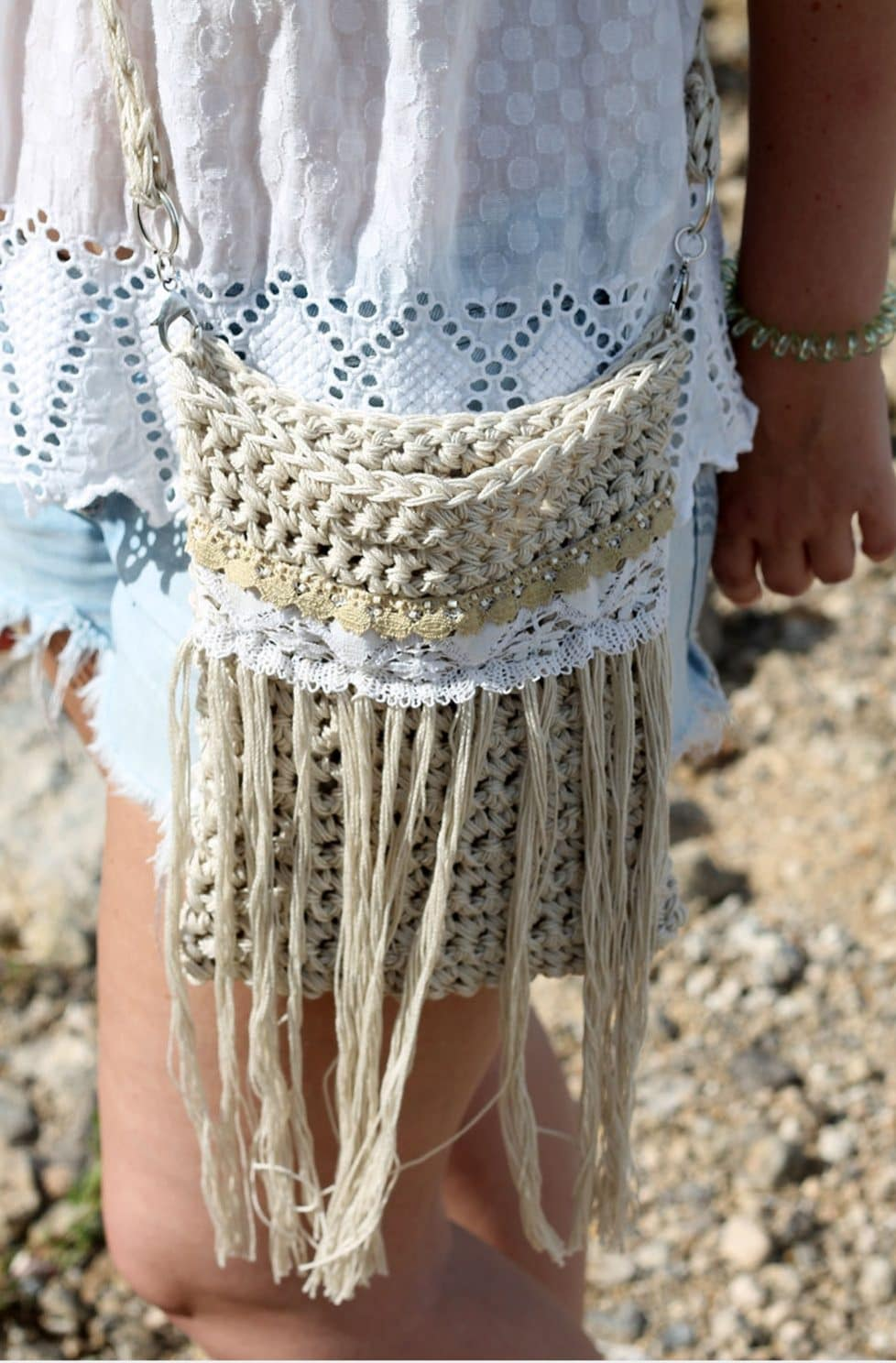 Crochet fringe bag pattern