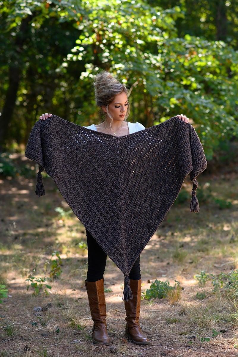 Easy Outlander crochet triangle shawl