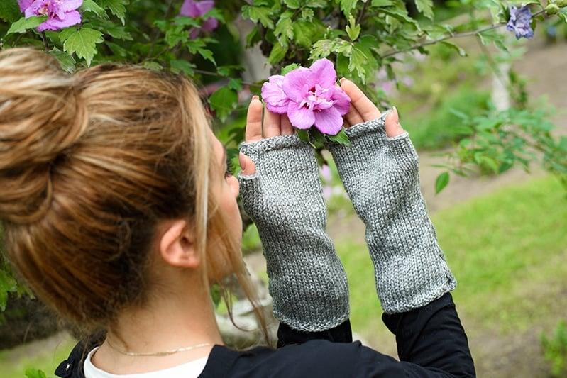 fingerless gloves knit in grey yarn