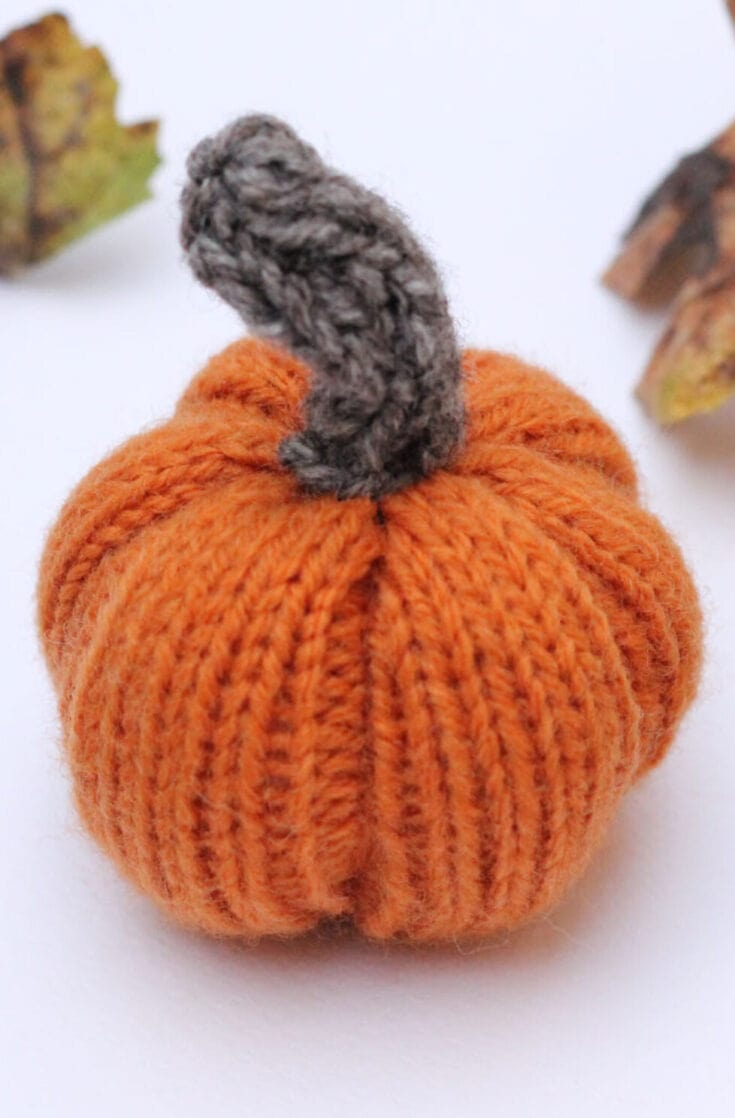 Knitted Pumpkin Pattern {Easy And Quick}