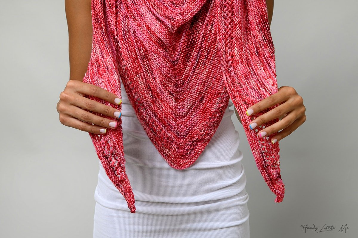 Ms M triangle shawl close up